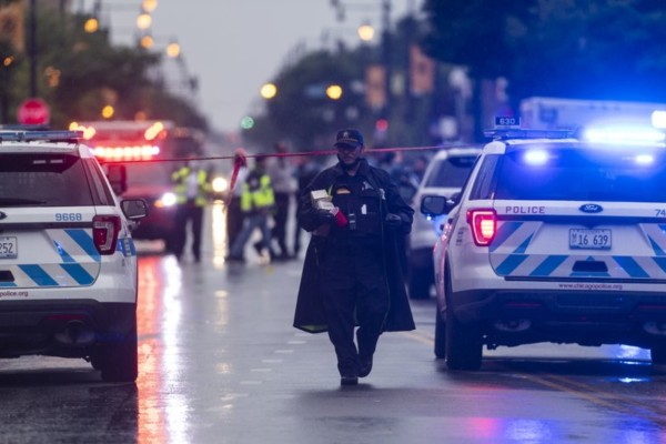 Πανικός στις ΗΠΑ: Ένοπλη επίθεση σε κηδεία με 14 τραυματίες