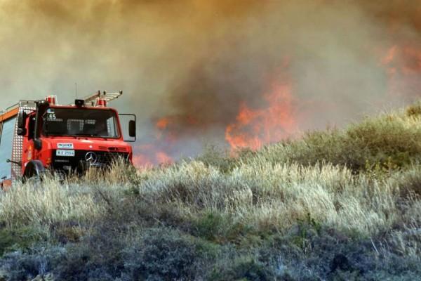 Κρήτη: Μεγάλη φωτιά στο χωριό Γωνιές