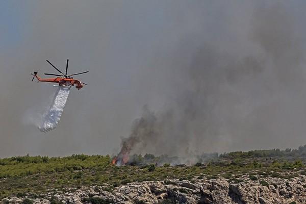 Φωτιά στο Λαύριο: Από εκεί ξεκίνησε η πυρκαγιά - «Μάχη» και την νύχτα με τις φλόγες