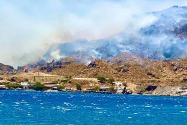 Φωτιά κοντά σε σπίτια στην Κρήτη