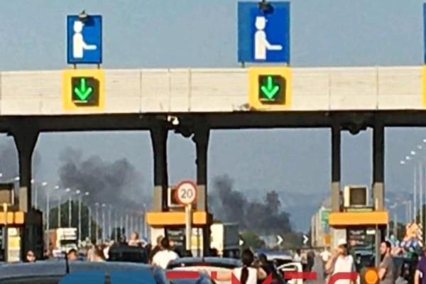 Μάλγαρα: Φωτιά σε ΙΧ στην Εθνική Οδό Αθηνών – Θεσσαλονίκης