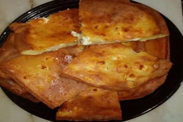 Ηπειρώτικη κοσμιρή: Εύκολη και χορταστική τυρόπιτα από την Ήπειρο