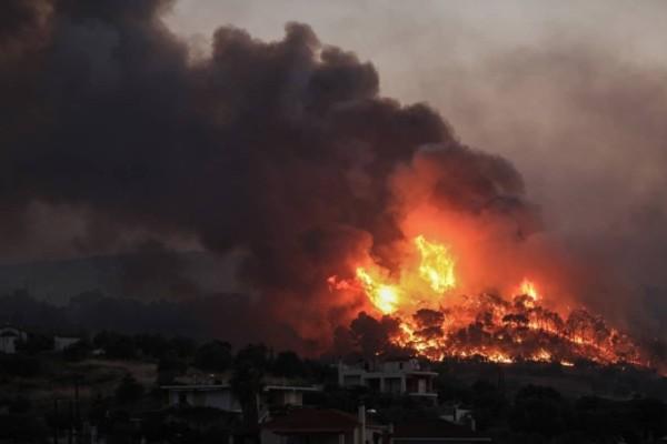 Φωτιά στην Κορινθία: Ακόμη ένα βράδυ αγωνίας - Συνεχείς οι αναζωπυρώσεις