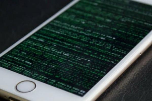 15 «σημάδια» που φανερώνουν ότι κάποιος... χάκαρε το κινητό σας (Video)
