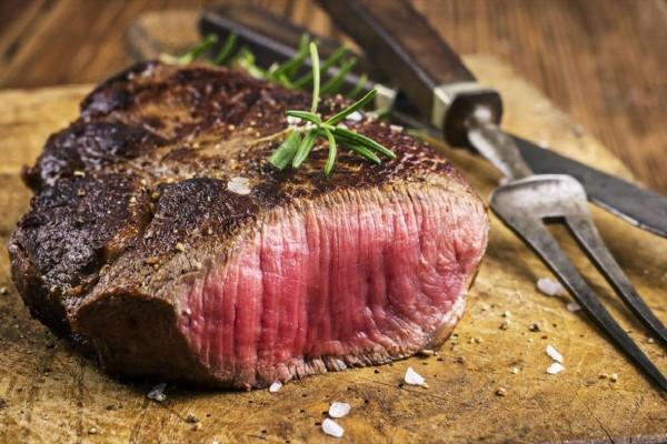 Προσοχή: Εσείς γνωρίζετε τι θα συμβεί αν τρώτε λιγότερο κρέας;