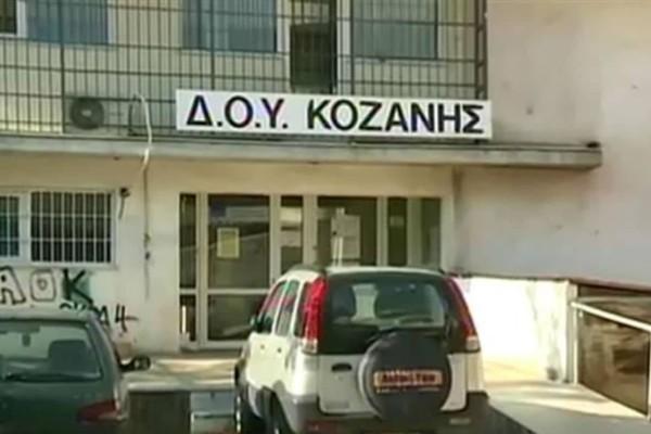 Επίθεση 45χρονου με τσεκούρι: Σύζυγος 47χρονης εφοριακού περιγράφει τον «εφιάλτη» που έζησε η γυναίκα του (Video)