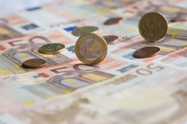 Εφάπαξ η καταβολή των κομμένων δώρων – Ποιο είναι το βασικό σενάριο για τους συνταξιούχους