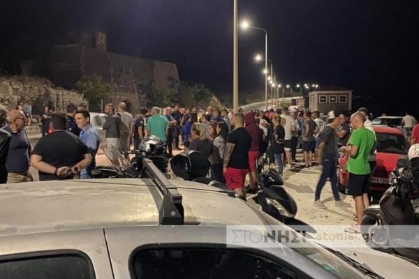 Χαμός στη Λέσβο: Ηλικιωμένος έπεσε με το αυτοκίνητό του σε ομάδα διαδηλωτών