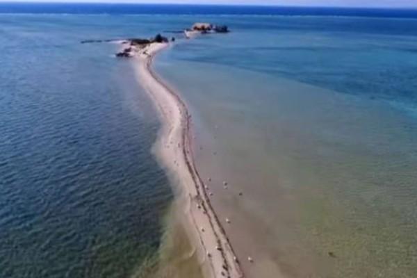 Υπάρχει παράδεισος: Το ελληνικό νησί που είναι όλο παραλία και θυμίζει... Μαλδίβες!