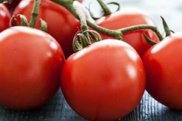 Διατηρήστε τις ντομάτες σας φρέσκες για μεγαλύτερο χρονικό διάστημα με αυτό το πανέξυπνο κόλπο