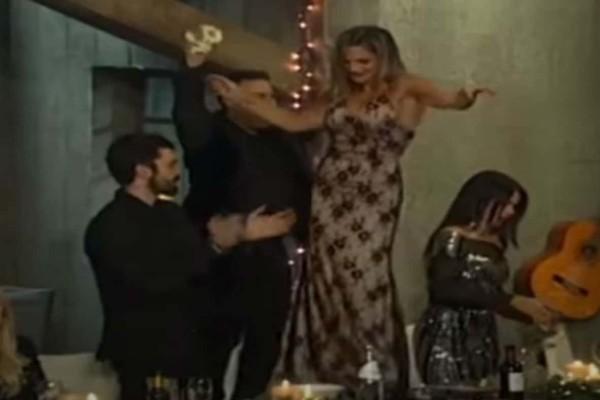 Η πιο εντυπωσιακή παρουσία του Survivor χορεύει τσιφτετέλι και