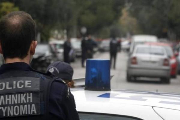 Συνελήφθη για κλοπή στην Γλυφάδα γνωστός Έλληνας ράπερ
