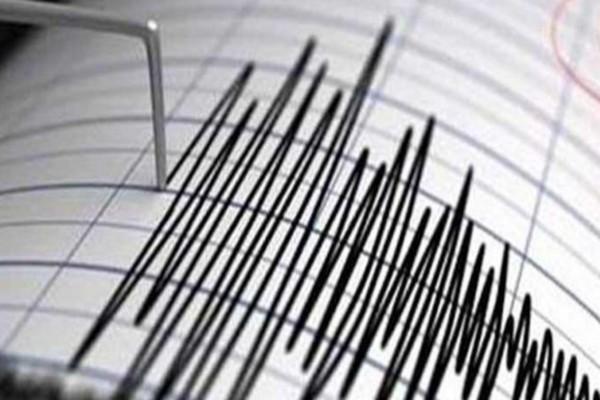 Φοβερός σεισμός 7.8 Ρίχτερ - Κίνδυνος για τσουνάμι
