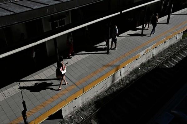 Παράνοια: Άτομο μπήκε στη σήραγγα του ΗΣΑΠ Μοναστηρακίου