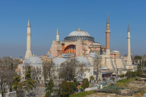 Σήμερα τα σπουδαία: Κάνουν τζαμί την Αγία Σοφιά οι Τούρκοι; (video)