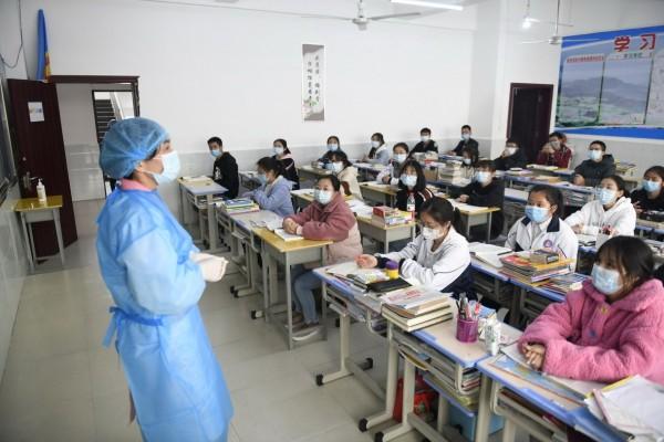 Σχολεία: Τα δύο σενάρια για το άνοιγμά τους