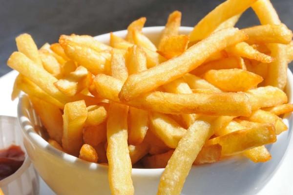 Προσοχή στις τηγανητές πατάτες: Ποιο είναι το τεράστιο λάθος στο τηγάνισμα που προκαλεί καρκίνο;