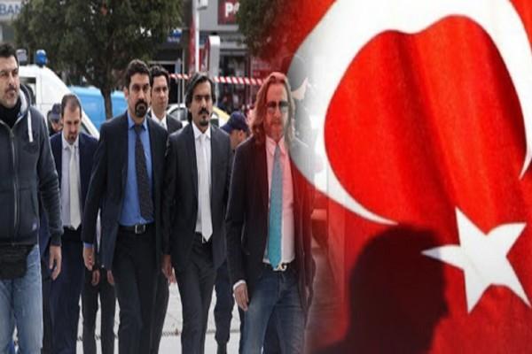 Νέα πρόκληση από την Τουρκία: Ζητά από την Αθήνα την έκδοση των 8 Τούρκων αξιωματικών (photo)