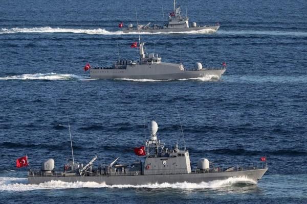 Αποχωρούν μερικά τουρκικά πλοία από το Αιγαίο - Νέα προκλητική δήλωση από τον Ερντογάν
