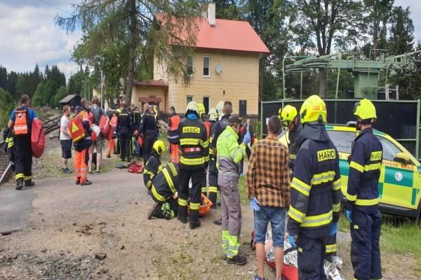 Σύγκρουση τρένων στην Τσεχία: Τρεις νεκροί και πολλοί τραυματίες