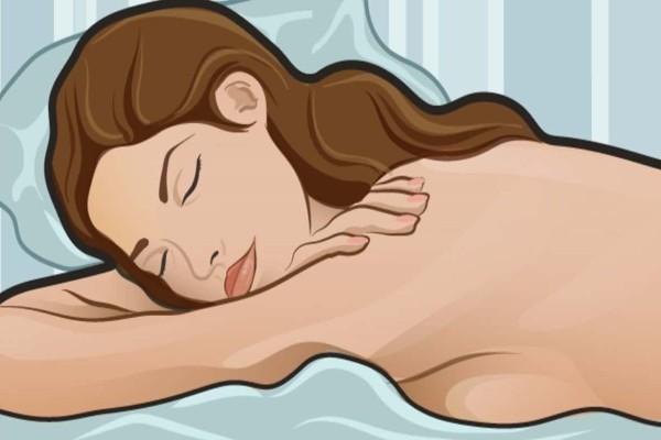 Αυτά θα συμβούν στο σώμα σας αν κοιμηθείτε γυμνοί ακόμα και με κρύο - Δώστε προσοχή