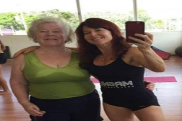 Αυτή η 74χρονη γιαγιά ξεκίνησε να πηγαίνει γυμναστήριο με την κόρη της - Αυτό που έγινε λίγους μήνες μετά δεν το περίμενε κανείς