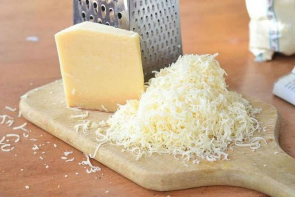 Το μυστικό για να διατηρήσετε το τυρί στην κατάψυξη φρέσκο για μήνες