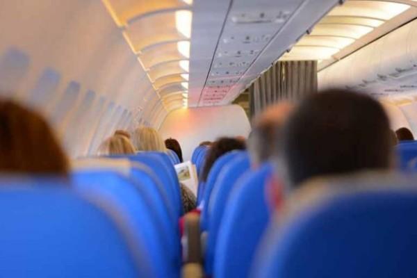Πανικός σε πτήση: Αναστάτωση με επιβάτη από Ρόδο για Αθήνα που δεν φορούσε μάσκα