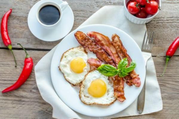 Τρώτε αυγά με μπέικον; Μην το ξανακάνετε ποτέ!