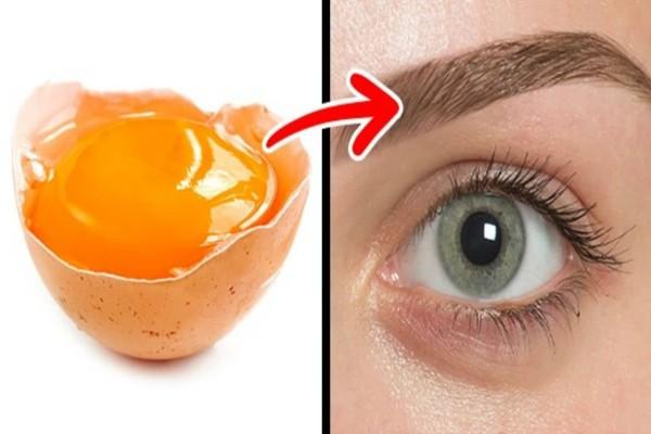 Έριξε κρόκο αυγού στα φρύδια της - Μόλις μάθετε το λόγο θα το κάνετε κι εσείς