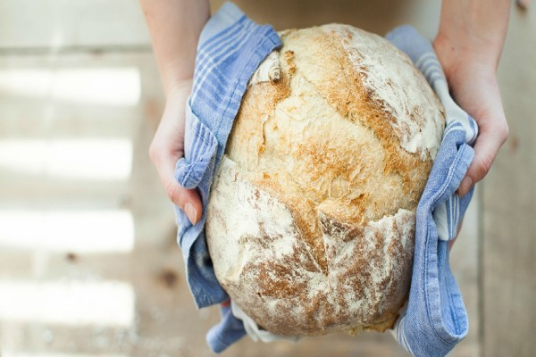 Το κόλπο για να τρως λευκό ψωμί χωρίς να παχαίνεις