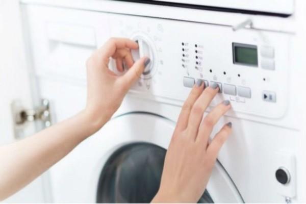 Το κόλπο που θα σταματήσει τον ενοχλητικό θόρυβο του πλυντηρίου