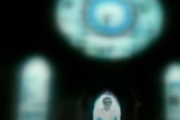 Ανατριχιαστικό: Το φάντασμα της πριγκίπισσας Νταϊάνα σε παράθυρο εκκλησίας (video)