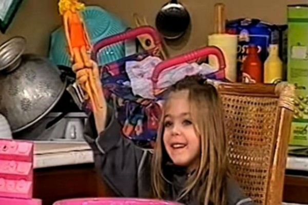 Θυμάστε τη μικρή Εύα από τους Δύο Ξένους; Δείτε πώς είναι σήμερα