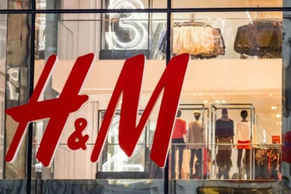H&M: Αγόρασε το πιο δροσερό φόρεμα μόνο με 9,99€