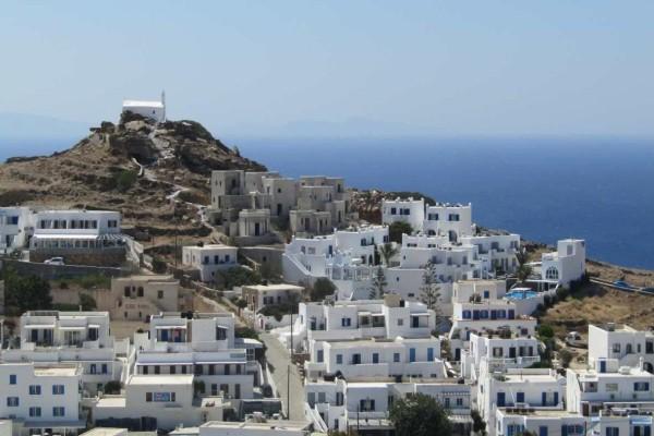 Μαγευτικό: Το ξεχωριστό κυκλαδίτικο νησί που μπήκε στα 100 κορυφαία του κόσμου