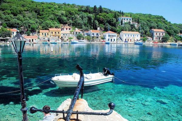 Το μαγευτικό νησί του Ιονίου που θα ερωτευτείς από την πρώτη... βουτιά
