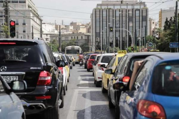 Μποτιλιάρισμα στους δρόμους της Αθήνας: Προβλήματα σε Κηφισίας και Κηφισό