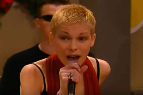 Θυμάστε αυτή την τραγουδίστρια από το