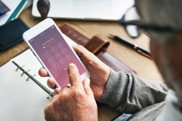 Μην χρησιμοποιείτε τα γενέθλιά σας για PIN στο κινητό - Μεγάλος κίνδυνος