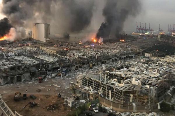Βηρυτός: Η τρομακτική στιγμή της έκρηξης που κόβει την ανάσα