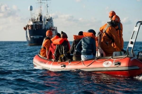 Ιταλία: Νεκροί τρεις μετανάστες μετά από έκρηξη σε σκάφος