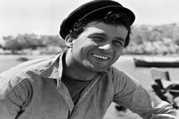 Σαν σήμερα έφυγε από τη ζωή ο μεγάλος ηθοποιός Δημήτρης Παπαμιχαήλ