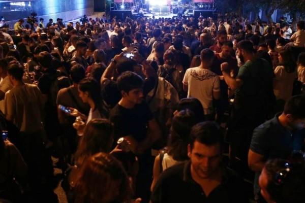 Ατομική... ανευθυνότητα: Ζευγάρι στη Μύκονο «έσπασε» την καραντίνα και πήγε σε... κορωνο-πάρτι με 500 άτομα