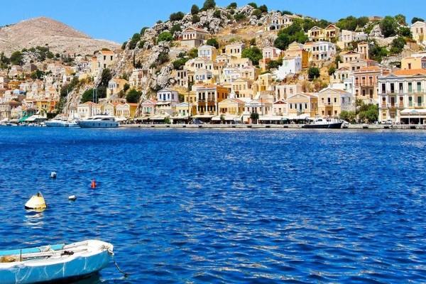 Κόβει την ανάσα: Το νησί του Αιγαίου με την άγρια ομορφιά που σε αφήνει άναυδο