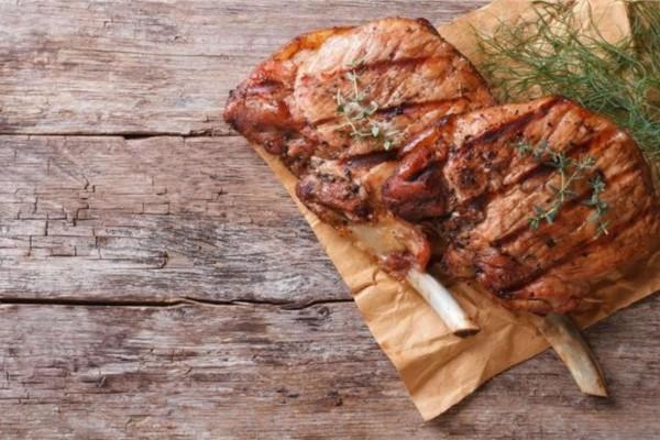 Παραψήθηκε το κρέας; Το κόλπο που θα το κάνει και πάλι έξτρα ζουμερό