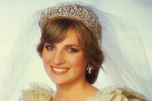 Αμόρφωτη η Πριγκίπισσα Νταϊάνα - Δεν είχε τελειώσει ούτε το...