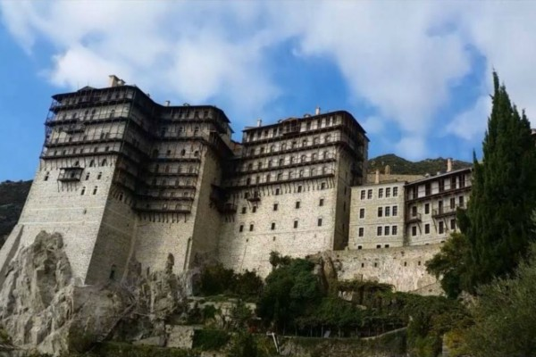 Κορωνοϊός: Περιοριστικά μέτρα στο Άγιο Όρος - Σε καραντίνα δύο μοναστήρια (Video)