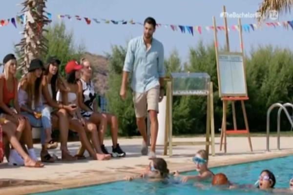 The Bachelor: Τραγική ατάκα σε παίκτρια με δυσκολία στο κολύμπι - «Σέρνεσαι…»
