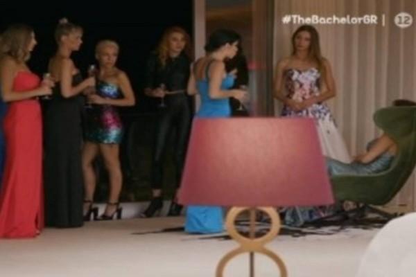 The Bachelor: Πανικός στη βίλα - Βρισιές και δάκρυα από τις παίκτριες